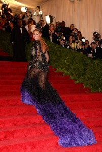 Beyonce Wins the 2012 Met Gala