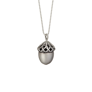 Acorn_Silver_Necklace_Zoom80__01134_std